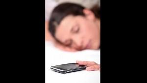 dormir-movil-sueno--644x362
